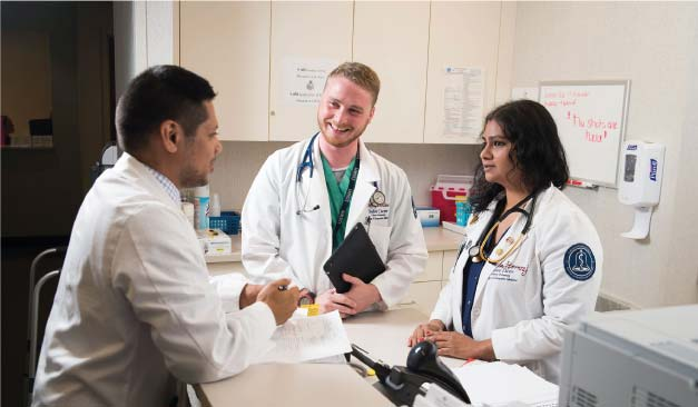student-doctors-on-work-experience